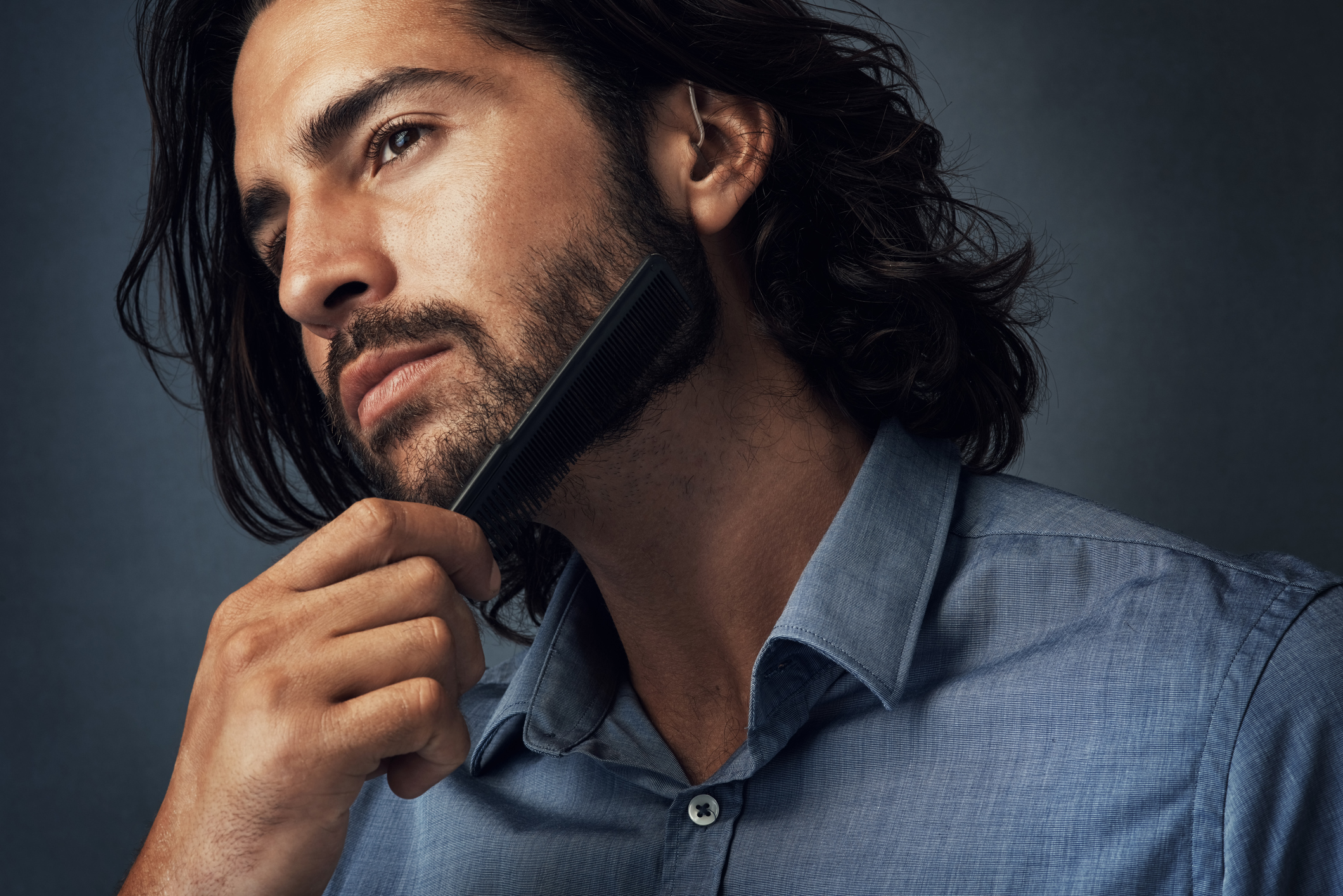 Man's face for Long Locks Leave-In Hair Conditioner and Spilt-End Sealant
